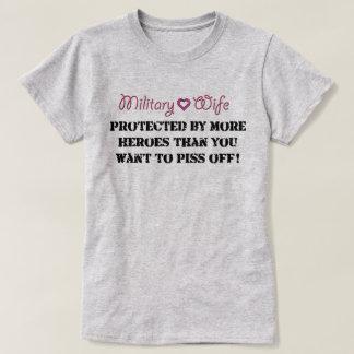Camiseta Esposa militar protegida