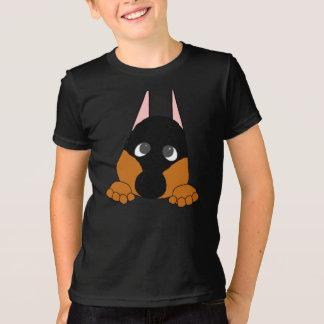 Camiseta espreitando o preto e a oxidação do dobie