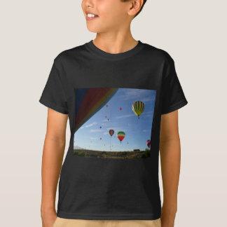 Camiseta Espreitar para fora