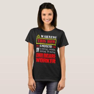 Camiseta Esta mamã é protegida pelo Tshirt do trabalhador