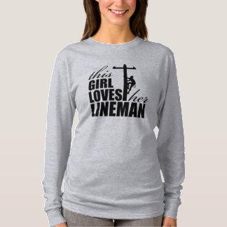 Camiseta Esta menina ama a luva longa das suas mulheres do