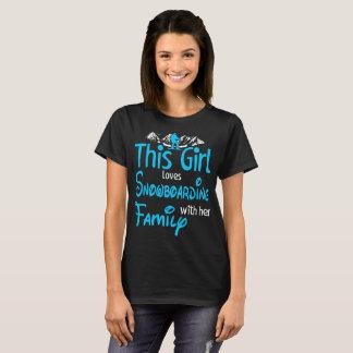 Camiseta Esta menina ama a snowboarding com família fora