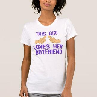 Camiseta Esta menina ama seu namorado
