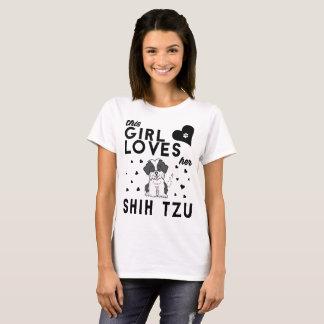 Camiseta Esta menina ama seu Shih Tzu
