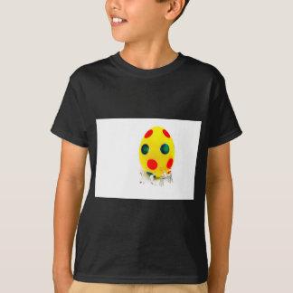 Camiseta Estatuetas diminutas que pintam o ovo da páscoa