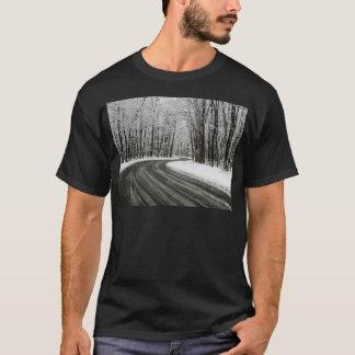 Camiseta Estrada de enrolamento curvada neve