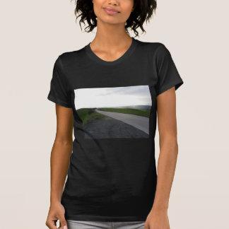 Camiseta Estrada secundária sobre o rolamento de colinas