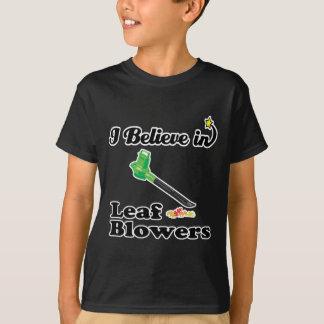 Camiseta eu acredito em ventiladores de folha