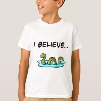 Camiseta Eu acredito no monstro de Loch Ness