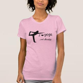 Camiseta Eu amo a ioga e o t-shirt do chocolate