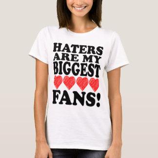 Camiseta Eu amo o coração que da arte dos aborrecedores