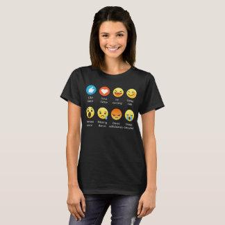 Camiseta Eu amo o Emoticon da DANÇA (emoji) (a pia batismal