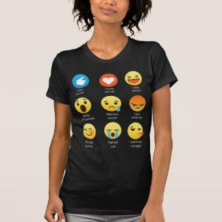 Camiseta Eu amo o Social do Emoticon do futebol (emoji) (a