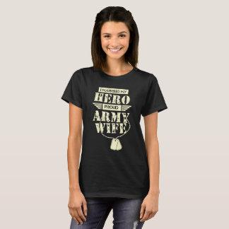 Camiseta Eu casei minha esposa orgulhosa do exército do