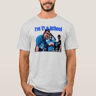 Camiseta Eu estou em uma escola