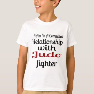 Camiseta Eu estou em uma relação cometida com lutador do
