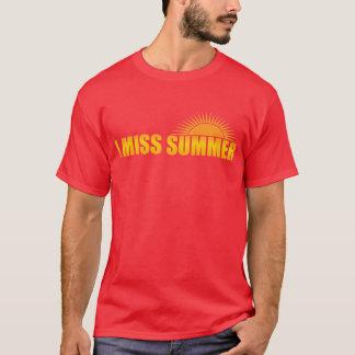 Camiseta eu falto o verão