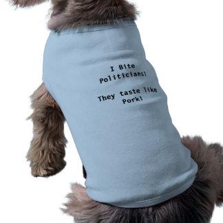 Camiseta Eu mordo políticos. Provam como a carne de porco