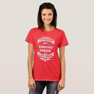 Camiseta Eu não sou Superwoman mas eu sobrevivi ao cancer