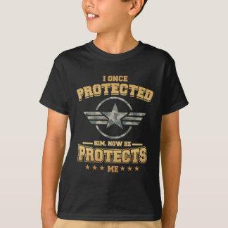 Camiseta Eu protegi-o uma vez, agora ele protejo-me