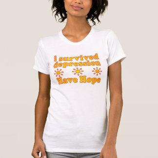 Camiseta Eu sobrevivi à depressão - tenha a esperança -