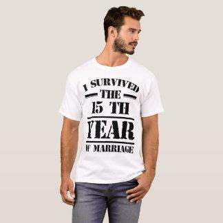 Camiseta EU SOBREVIVI ao 15o ANO DE CASAMENTO