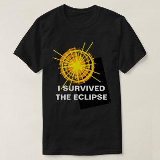Camiseta Eu sobrevivi ao customizável engraçado do eclipse