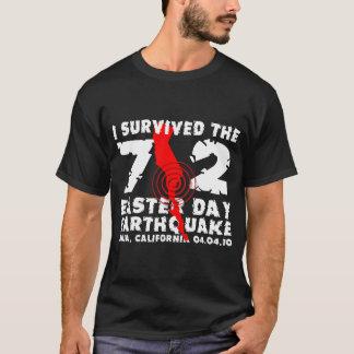 Camiseta Eu sobrevivi ao terremoto do dia da páscoa 7,2