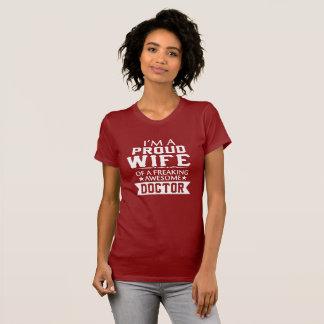 Camiseta Eu sou a ESPOSA do DOUTOR ORGULHOSO