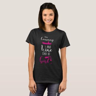 Camiseta Eu sou Canoeing e um tipo do vinho do t-shirt da