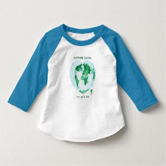 Camiseta Eu sou com ela, Raglan das meninas da Mãe Terra