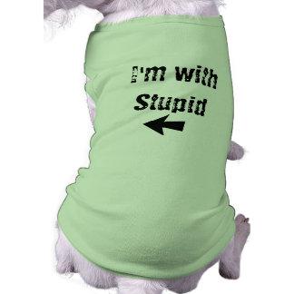Camiseta Eu sou com estúpido - seta deixada - persigo o tan