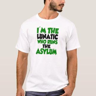 Camiseta Eu sou o excêntrico quem funciona o asilo