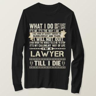 Camiseta Eu sou um ADVOGADO. T-shirt do presente