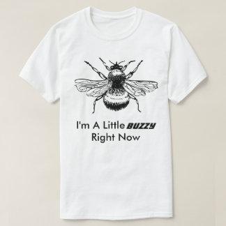 Camiseta Eu sou um t-shirt engraçado pequeno da abelha de