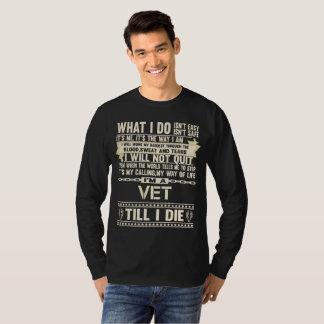 Camiseta Eu sou um VETERINÁRIO. T-shirt do presente