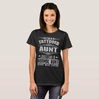 Camiseta Eu sou UMA TIA TATTOOED da TIA APENAS COMO UM