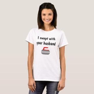 Camiseta Eu varri com seu marido - esporte da ondulação