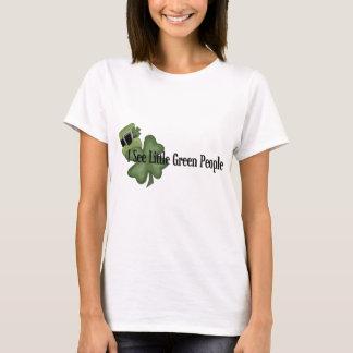 Camiseta Eu ver pessoas verdes pequenas - a boneca das