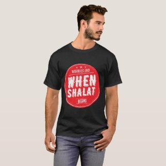 Camiseta extremidade das preocupações quando o shalat