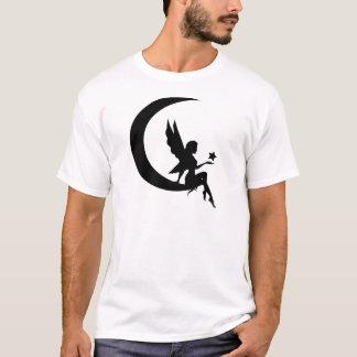 Camiseta Fada que senta-se no roupa do crescente da lua