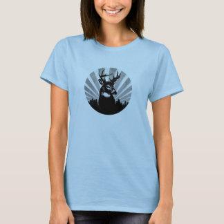 Camiseta Fanfarrão dos cervos de Whitetail que caça em