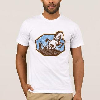 Camiseta Fazendeiro e cavalo que aram a fazenda retro