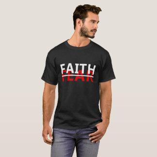 Camiseta FÉ sobre o MEDO