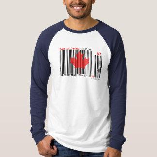 Camiseta Feito no código de barras 3 do t-shirt de Canadá