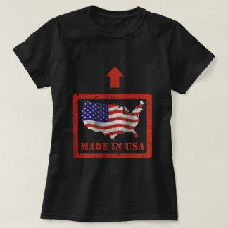 Camiseta Feito no t-shirt escuro básico das mulheres dos