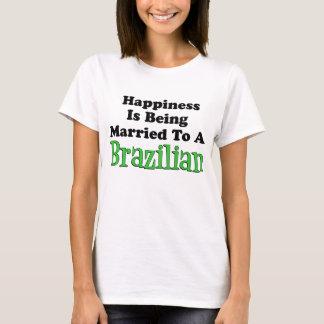 Camiseta Felicidade casada ao brasileiro