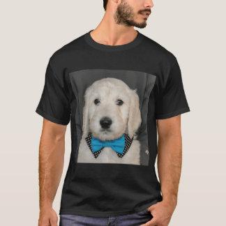 Camiseta Filhote de cachorro de Goldendoodle que veste o