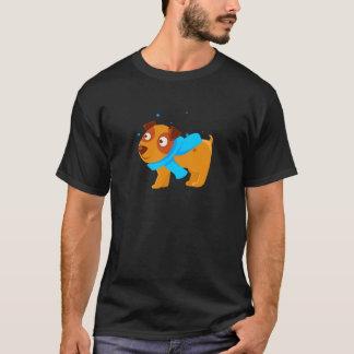 Camiseta Filhote de cachorro no lenço azul que anda fora no