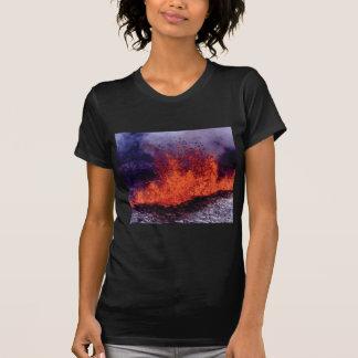 Camiseta fissura da rachadura da lava